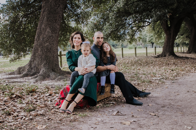 Houston blogger Maria Munoz with family during photo shoot