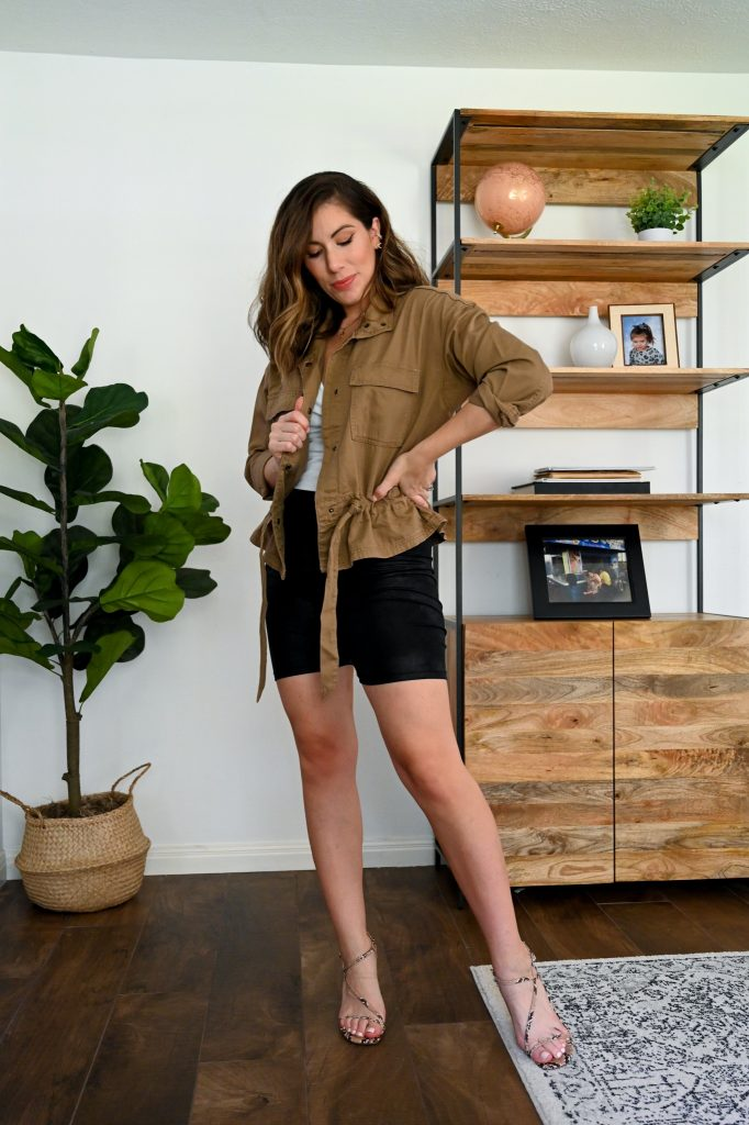 Houston fashion blogger Maria Munoz of Bella Style Living shares how to style bikers shorts
