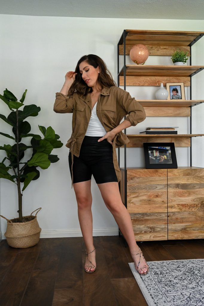 Houston style blogger Maria Munoz shares how to style biker shorts for the fall