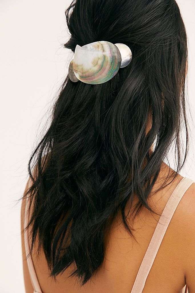 clam barrette hairstyle