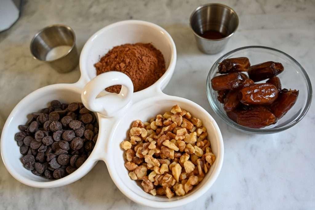 Houston lifestyle blogger Maria Munoz shares how to make no-bake vegan brownie bites