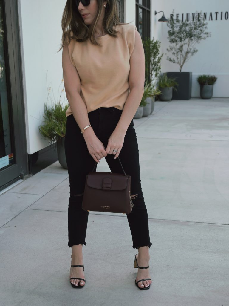 Houston lifestyle blogger Maria Munoz of Bella Style Living in chic fall style