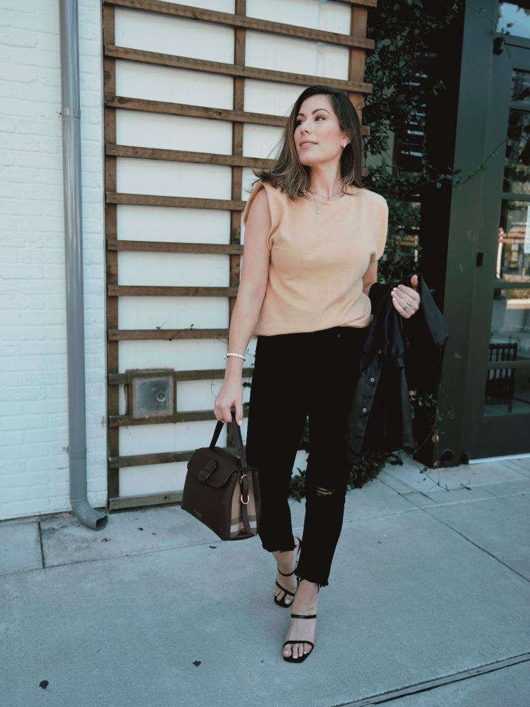 Top US lifestyle blogger Maria Munoz of Bella Style Living shares how to style a chic, neutral outfit for autumn