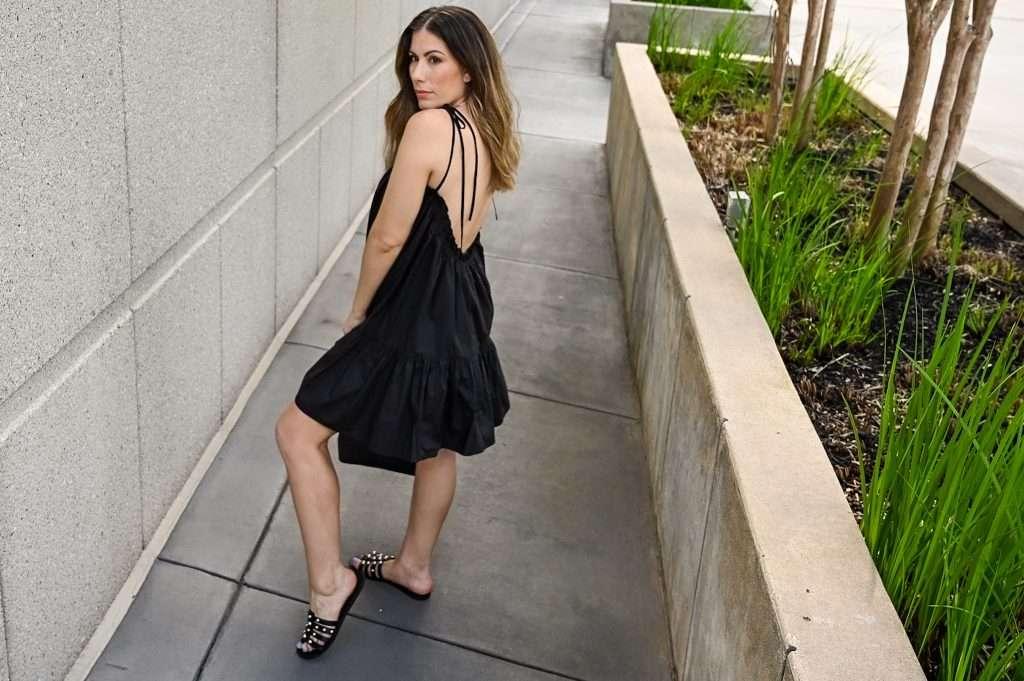 Lifestyle blogger shares black summer dress from Revolve