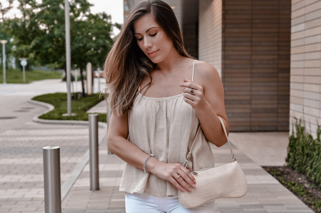 Houston style blogger shares how to style white jeans for summer