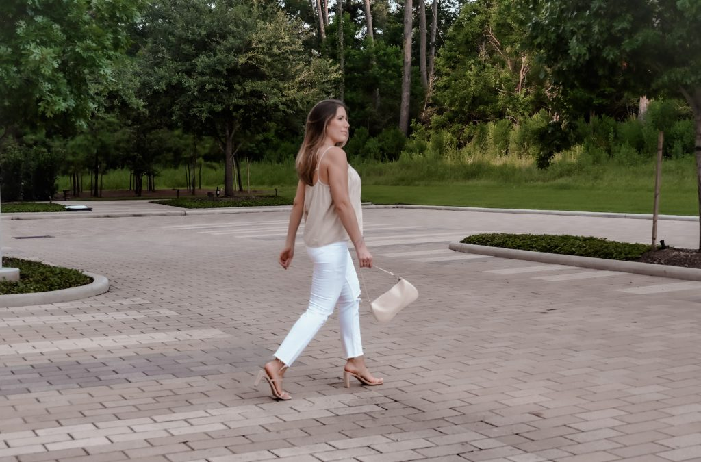 White jeans and tan top for how to style white denim in summer