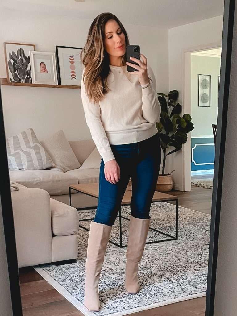 Houston style blogger Maria Munoz in Sam Edelman boots form Nordstorm Sale